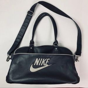 Vintage Nike duffel bag black